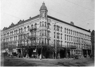 Photo of the Lindell Hotel, 1901.