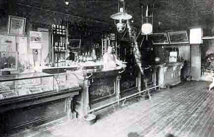 Photo of Polnicky's saloon.
