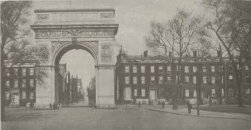 Photo of the Washington Memorial Arch and Washington Square.